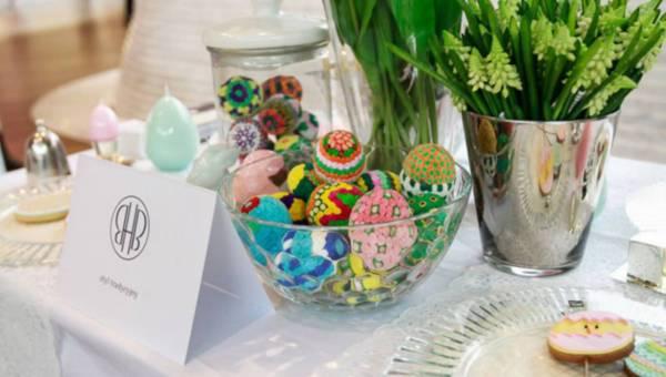 Design świątecznego stołu – porady, jak udekorować Wielkanocny stół