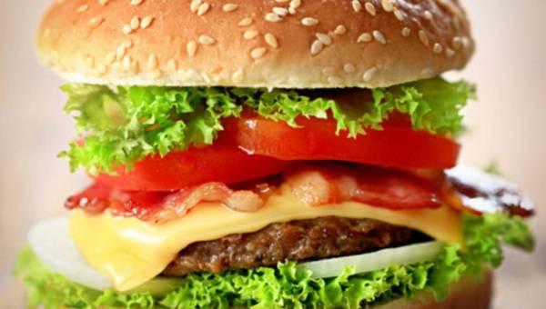 Domowy burger wołowy