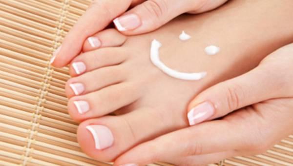 Agnieszka Kowalczyk – kosmetolog podpowiada, jak przygotować stopy na lato