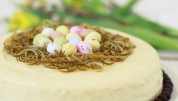 Świąteczny sernik limonkowy w polewie z białej czekolady