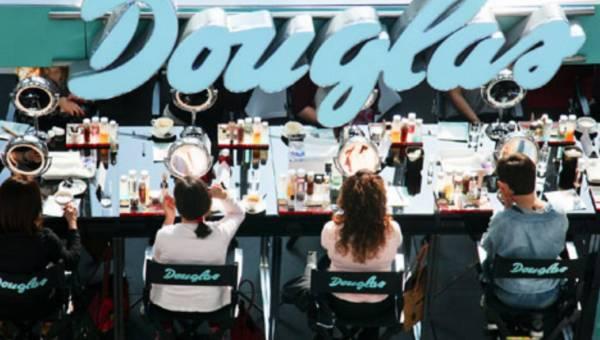 Akademia makijażu rusza w Polskę