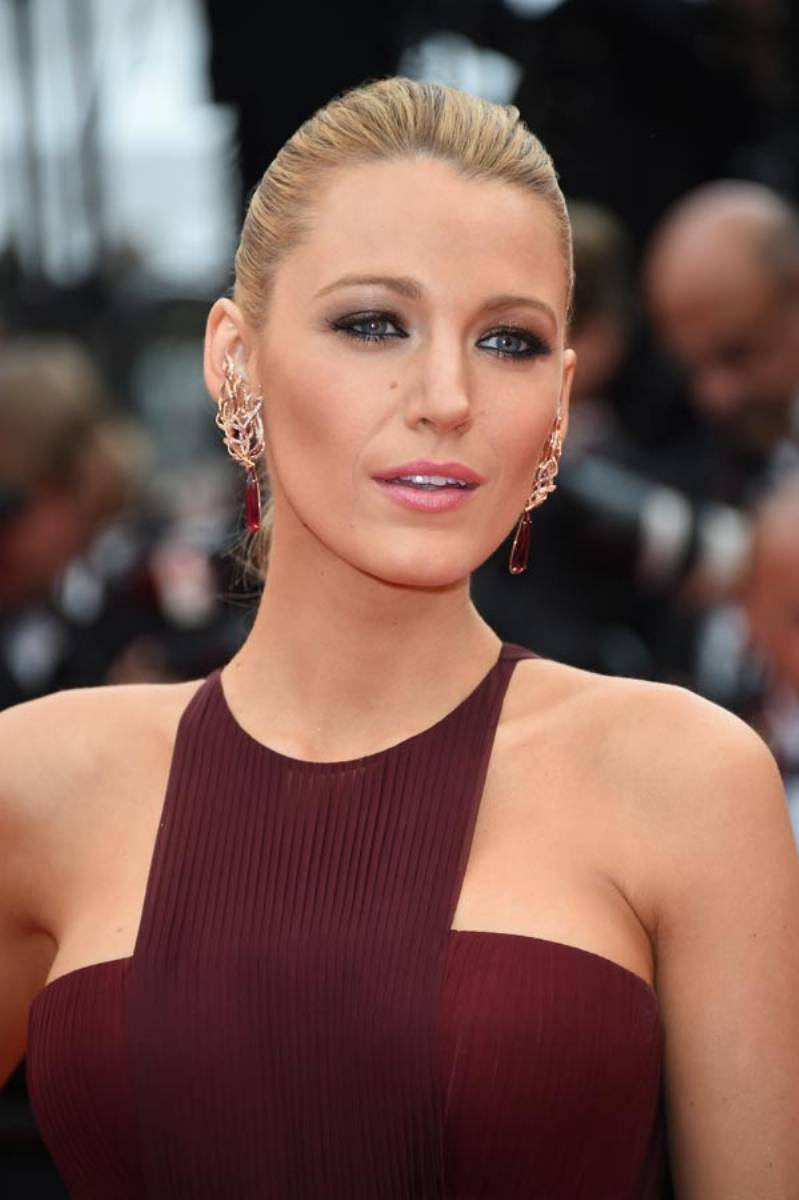 RED-CARPET---BLAKE-LIVELY---14.05.2014_picture_original
