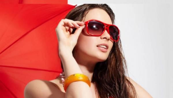 Soczewki czy okulary? – co zabrać na wakacyjny wyjazd – radzi dr Iwona Filipecka