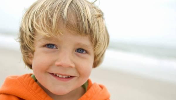 Co robić, gdy dziecko ma odstające uszy?