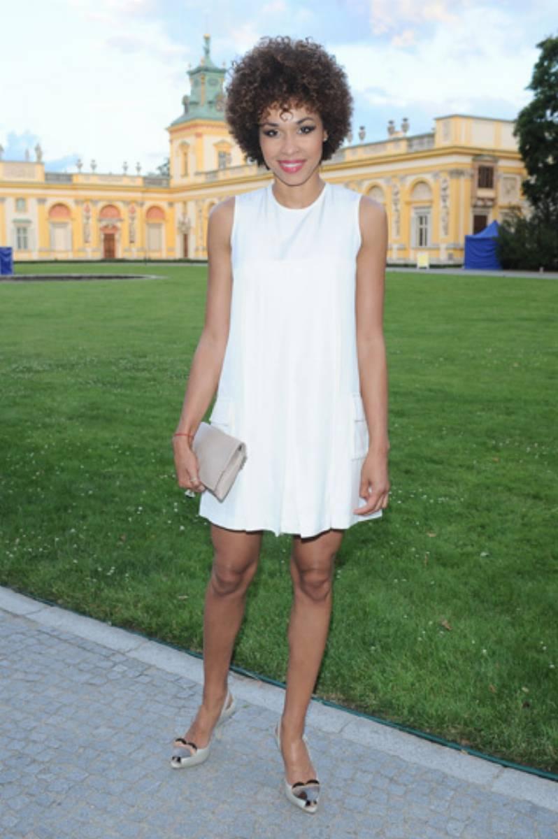 Omenaa_Mensah_w_mini_sukience_Hecotr-and-Karger