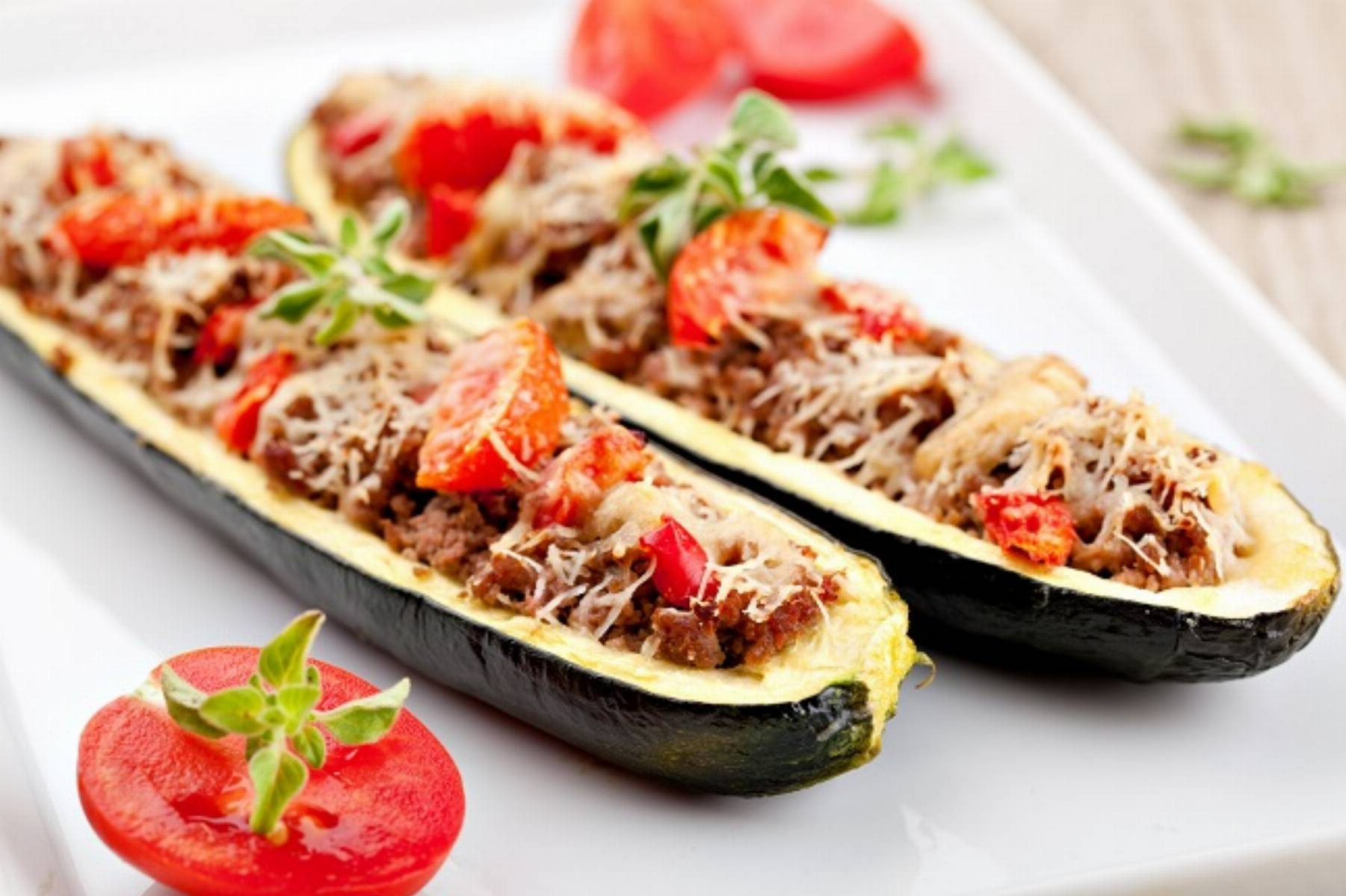 Zucchini halves stuffed with minced meat