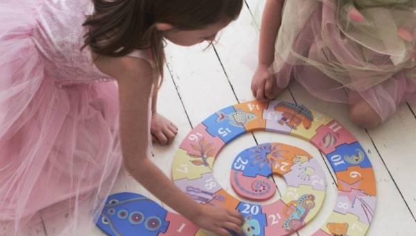 Zrób to sama (DIY): edukacyjny wąż – układanka dla Twojego dziecka
