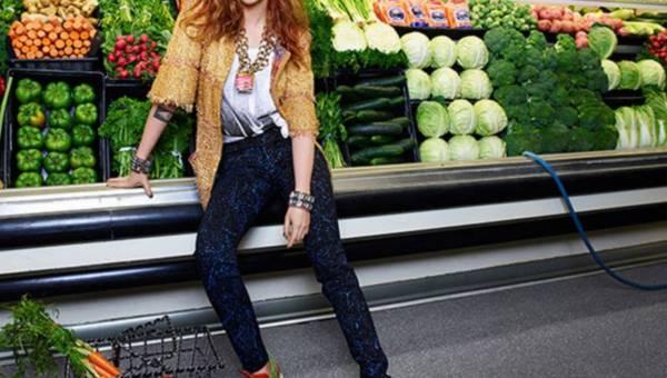 Kristen Stewart w sklepie spożywczym – we wrześniowym Elle US