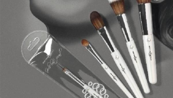 Jakie pędzle używać do makijażu? Przegląd popularnych modeli