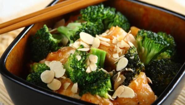 Smażony kurczak z brokułami