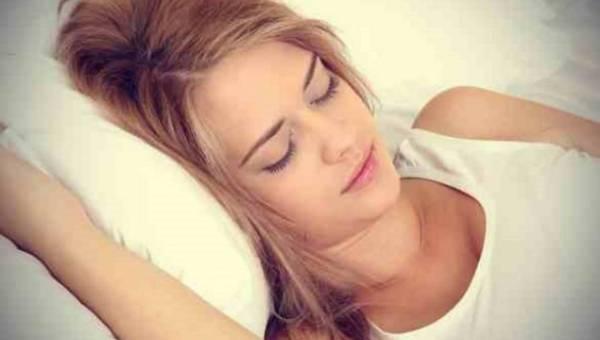 Jak leczyć się podczas snu? 5 wskazówek