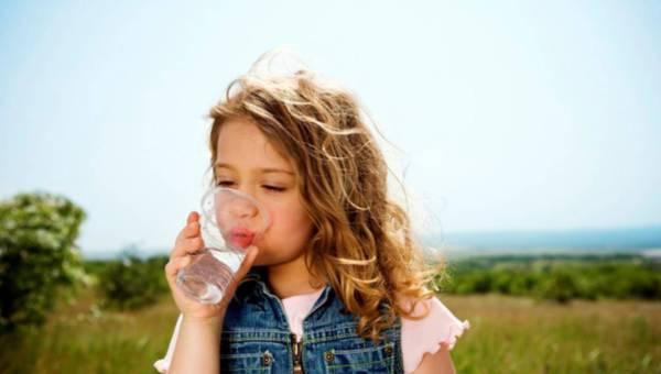 Dobra woda do picia – czyli jaka?