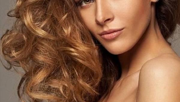 Długie i zdrowe włosy – jak uzyskać taki efekt?