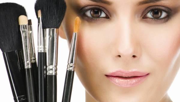 Radzimy, jak nakładać kosmetyki minaralne