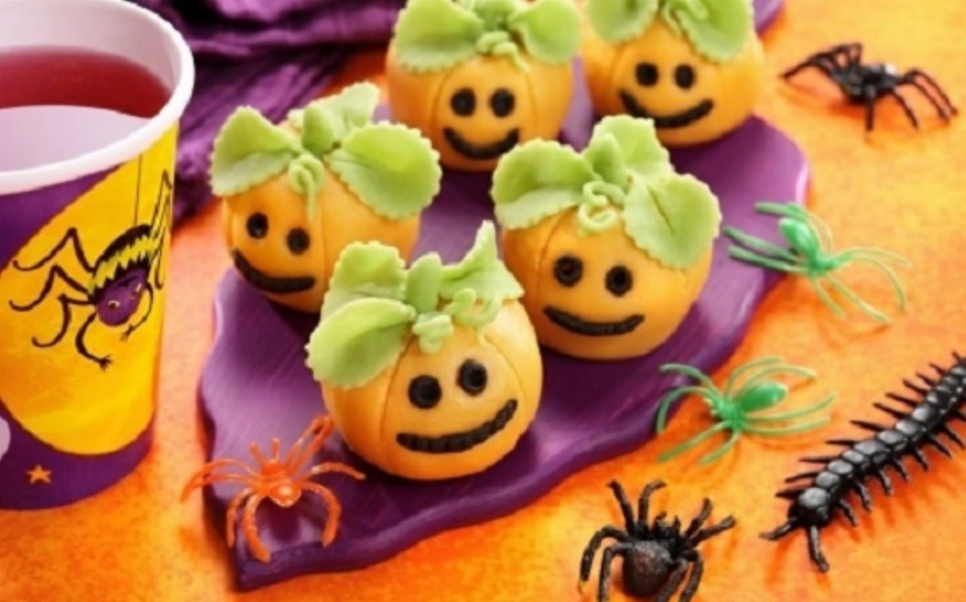 Dania na Halloween: Dyniowe trufle z marcepanem