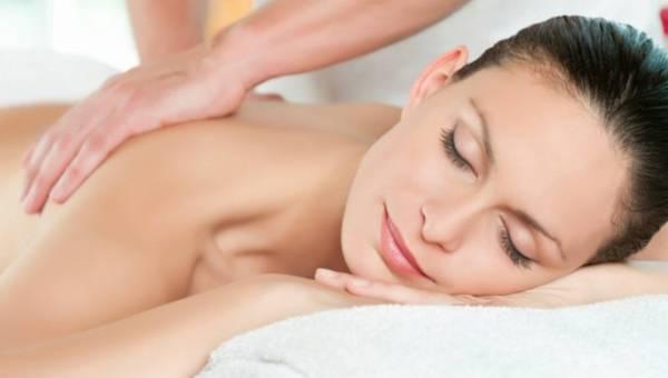 Olejki eteryczne do pielęgnacji ciała – które wybierać?
