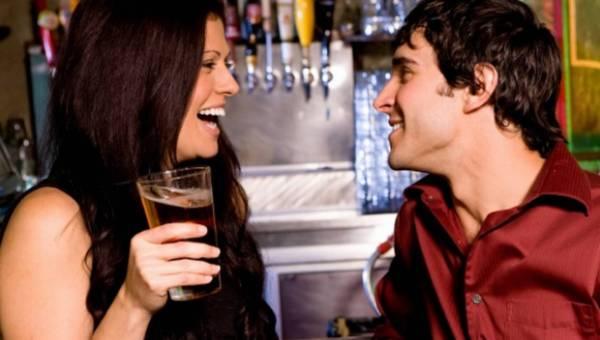 Jak poderwać faceta – 10 skutecznych sposobów