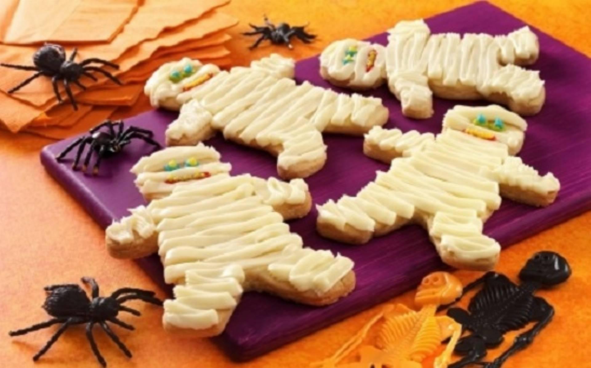 Dania na Halloween: Przerazajace ciastkowe mumie