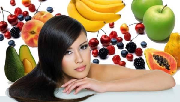 Niezwykła moc owoców: jak wykorzystać je w codziennej pielęgnacji włosów?
