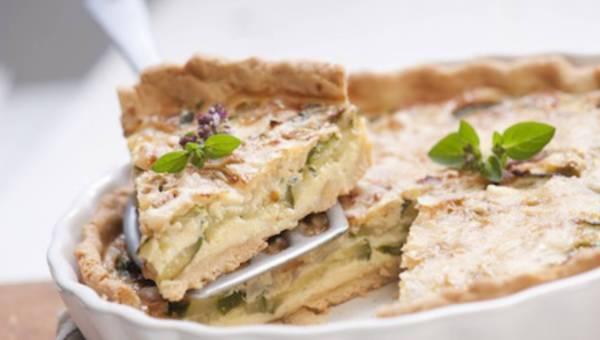 Dla wegetarian: Tarta z cukinią i otrębami owsianymi
