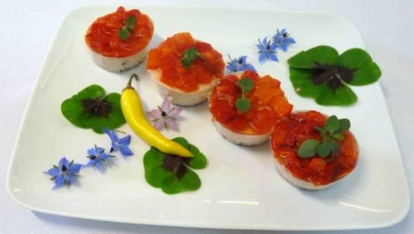Terrina z serka Bieluch z papryką, pomidorami i chili