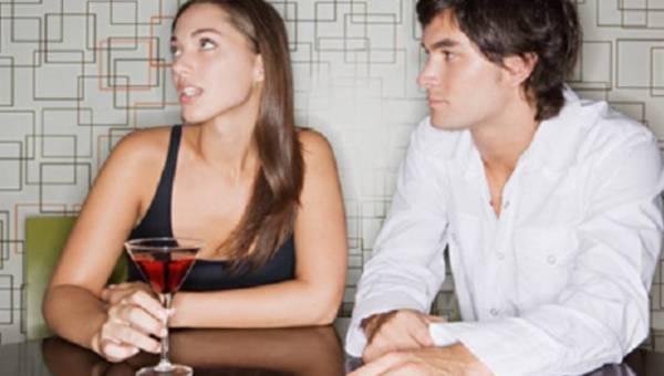 Jak się zachować na randce – 4 złe nawyki, które natychmiast musisz porzucić!