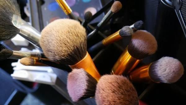 Pędzle do makijażu, których potrzebujesz najbardziej