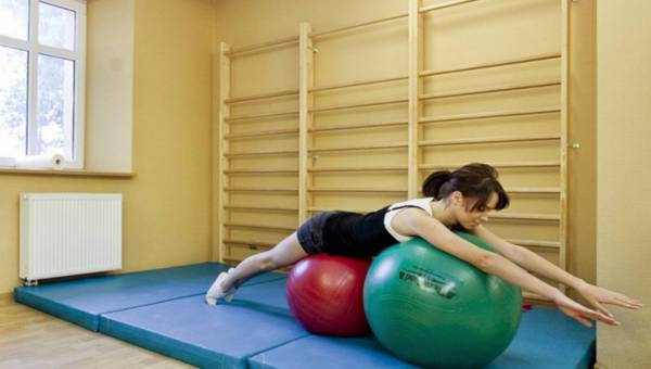 Fizjoterapeuta radzi: 5 sposobów na zdrowy kręgosłup