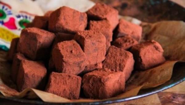Przepis na: czekoladowe trufle z chilli