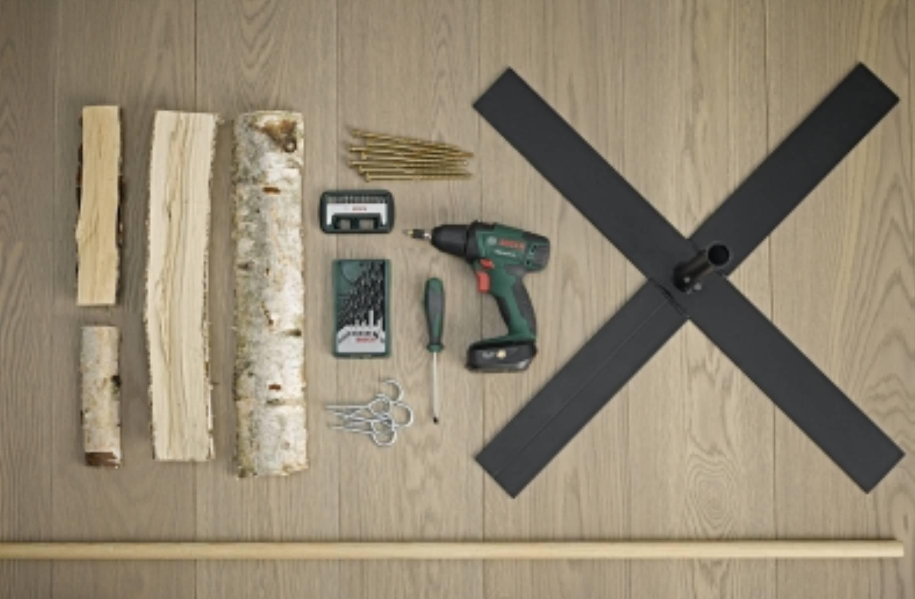 fot. Bosch Choinka ze szczap drewna (2)