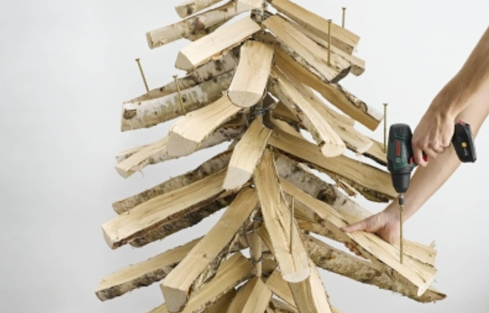 fot. Bosch Choinka ze szczap drewna (6)