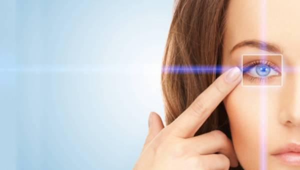 Ekspert medycyny estetycznej radzi: skóra wokół oczu – jakie zabiegi warto stosować