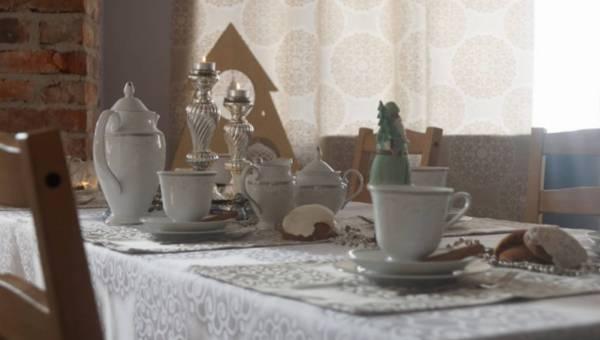 7 porad, jak udekorować wigilijny stół