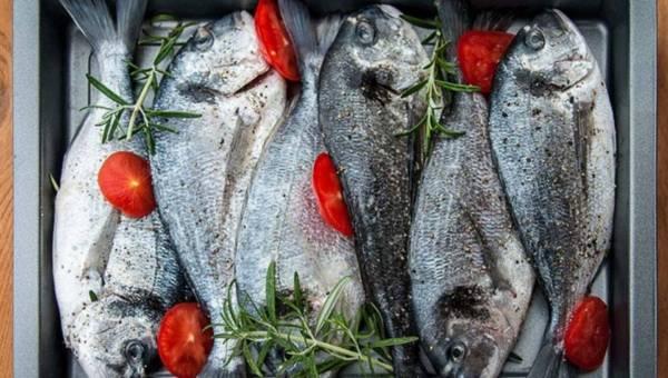 """Zdrowe ryby – co wybierać? Uwaga na produkty """"rybopochodne""""!"""
