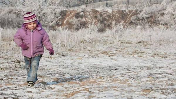 Dr n. med. Ewa Czernicka-Cierpisz: nie bój się zimna! O tym, jak hartować dziecko