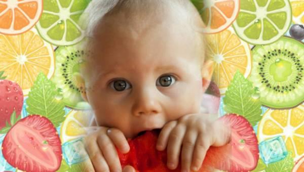 Pierwsze jabłuszko, czyli jak wprowadzać owoce w dietę dziecka