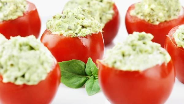 Dla wegetarian: Nadziewane pomidory