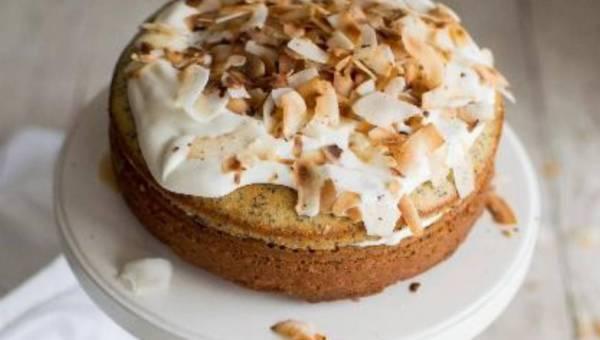Tort cytrynowy z makiem i kremem kokosowym