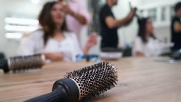 5 sposobów na przetłuszczające się włosy