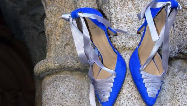 DIY: Pomysł na buty z łańcuszkiem na kostce