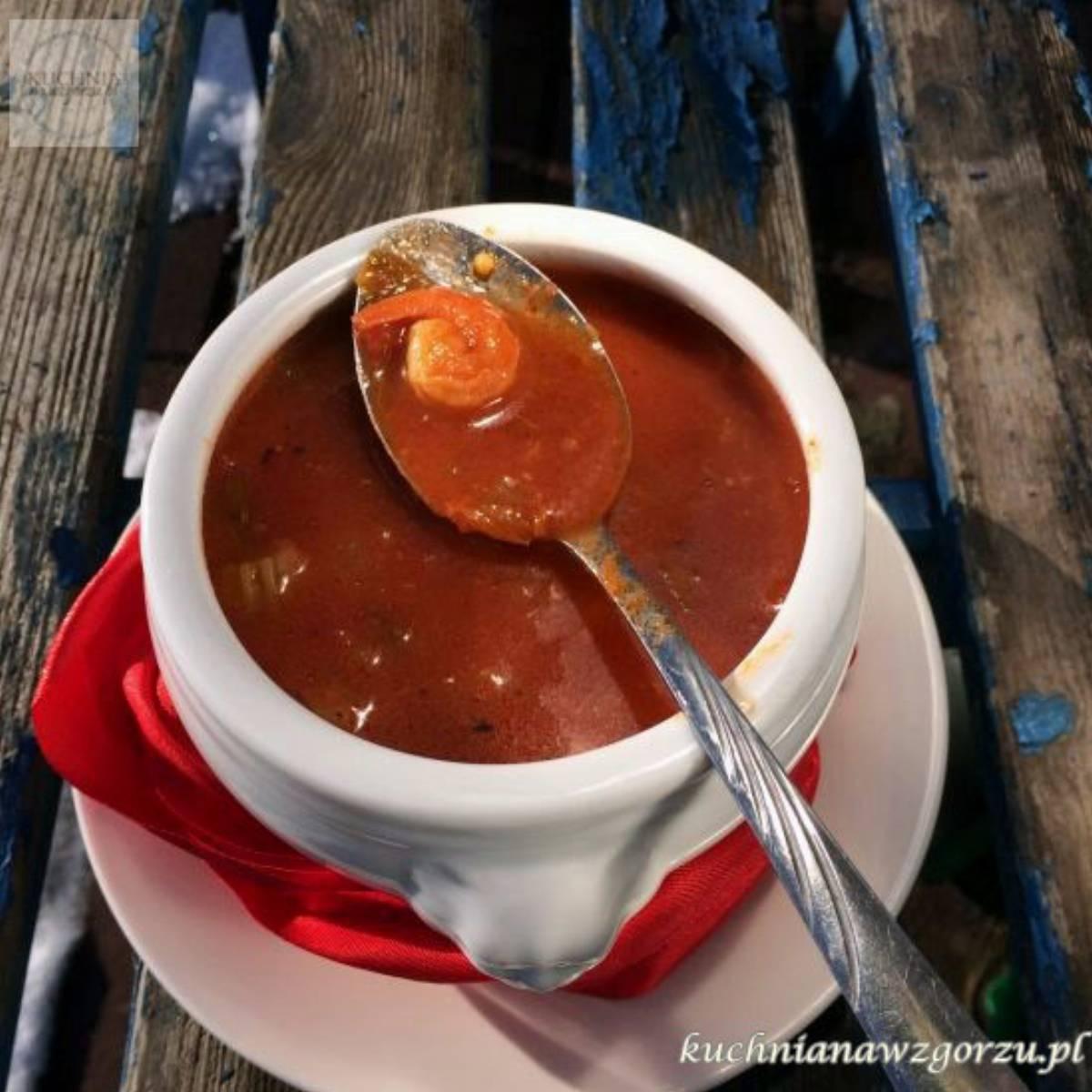 Rozgrzewająca zupa rybna