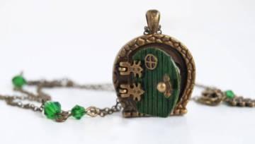 Piękna biżuteria inspirowana książkami