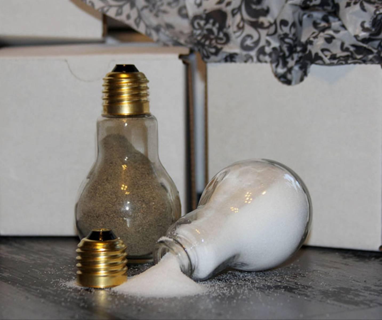 Поделка из перегоревших лампочек