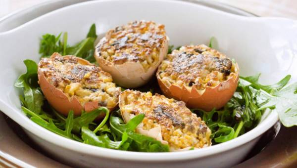 Jajka faszerowane pieczarkami z pieprzem cayenne