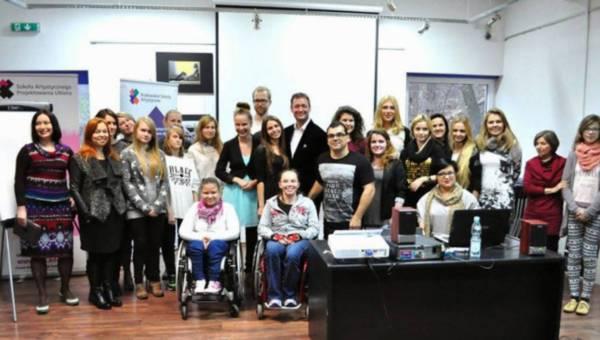 Nasz patronat: Niepełnosprawne modelki w pokazie topowych polskich projektantów