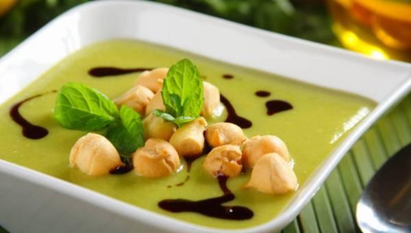 Przepis na: Zupa krem z zielonego groszku