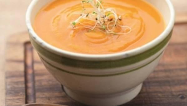 Przepis na: Zupa marchwiowa z nutą limonki