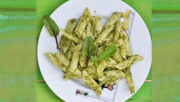 Dla wegetarian: Makaron ze szczawiowym pesto