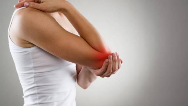 Co robić, gdy bolą stawy? Pomoże ci także dieta! Przepis na zupę odbudowującą kolagen