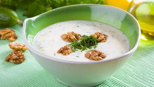 Przepis na zimną zupę: Chłodnik ogórkowy